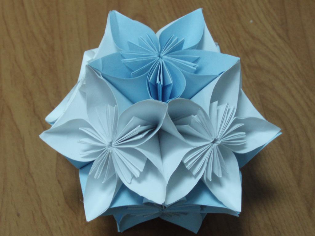 Модульное оригами шарик на ёлку